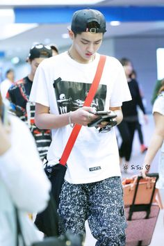 Twitter / The11KY: 【PIC】140505 KRIS @ AIRPORT ...