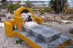 cemetery art in mexico