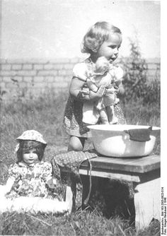 oh what simple times. so precious. with dolls