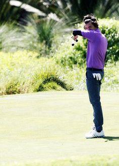 I'm pretty sure that ur not allowed to wear skinny jeans in golf Hazza...lol