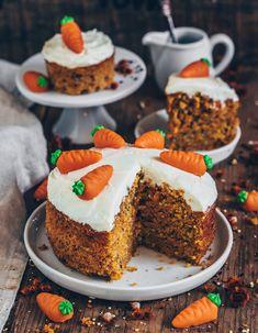Easy Vegan Carrot Cake The post Carrot Cake (vegan easy recipe) appeared first on Orchid Dessert. Easy Delicious Recipes, Easy Cake Recipes, Vegan Recipes Easy, Cake Vegan, Vegan Carrot Cakes, Easy Carrot Cake, Desserts Végétaliens, Dessert Recipes, Easter Desserts