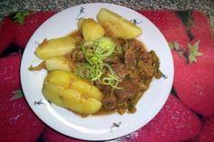 Vepřové kostky na kapustě | jitulciny-recepty.cz Czech Recipes, Russian Recipes, Beef, Czech Food, Polish, Meat, Vitreous Enamel, Nail, Steak