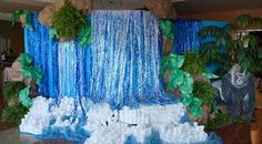 How to make a giant waterfall. (Music Rotation) - New Deko Sites Waterfall Decoration, Everest Vbs, Safari Theme, Jungle Theme, Jungle Party, Jungle Safari, Off The Map, Vbs Crafts, Jungle Crafts