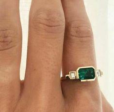 Jewelry Box, Jewelry Accessories, Fine Jewelry, Jewelry Design, Jewelry Ideas, Jewelry Sketch, Jewelry Making, Jewelry Storage, Body Jewelry