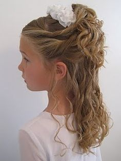 """Such cute curls and seems easy enough to do with """"Curlformers"""""""