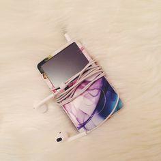 """""""My everyday companion emojiemoji #ipod#ipodclassic#music#prettythings#apple#gelaskin""""  http://www.instagram.com/flokwiatkowska"""