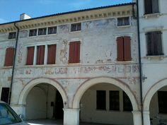 Portogruaro. ...Palazzo sul corso...