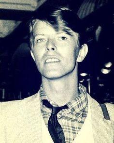 Neck and tie. Berlin era. #davidbowie #bowie #davidrobertjones #bowielove #starman #stardust #ziggy #ziggystardust #thethinwhiteduke #lovebowie #davidbowietribute #bowietribute #davidbowieforever #bowieforever #beautifulbowie #sexybowie #aspectsofbowiebeauty #bowieneck