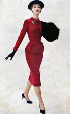 Dovima Red Suit, 195