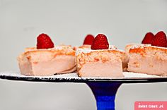 Malinowe magiczne ciasto - Swiatciast.pl Cheesecake, Food, Cheesecakes, Essen, Meals, Yemek, Cherry Cheesecake Shooters, Eten