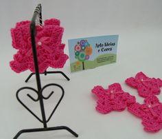 Mini vestidinho pink em crochê. Confeccionados em linha 100% algodão com acabamento em laço com pérola Outras cores e quantidades entre em contato: ideiasecores@gmail.com R$1,30