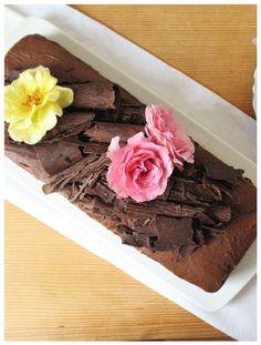 Chocolate walnut cake http://sweetheartsweets.blogspot.com/2014/09/reforma-torta-chocolate-walnut-cake.html