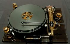 Oracle tuntable. #recordplayer #turntable #audio http://www.pinterest.com/TheHitman14/the-record-player-%2B/