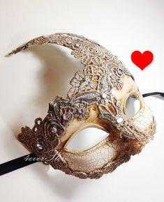 inserzione di Etsy su https://www.etsy.com/it/listing/162945339/extra-10-off-venetian-goddess-masquerade