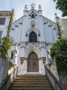 https://flic.kr/p/UCgWG9 | CAPELA NOSSA SENHORA DAS GRAÇAS | Tijuca, Rio de Janeiro, Brasil. Tenha um abençoado dia. :-)  ______________________________________________  CHAPEL OF OUR LADY OF THANKS  Tijuca neighborhood, Rio de Janeiro, Brazil. Have a blessed day! :-)  ______________________________________________  Buy my photos at / Compre minhas fotos na Getty Images  To direct contact me / Para me contactar diretamente: lmsmartins@msn.com