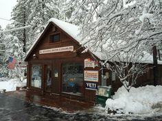 Big snow day in Idyllwild Wood Fireplace, Fireplace Inserts, Gas And Electric, Air Conditioning System, Heating And Cooling, California, The Unit, Cabin, Snow