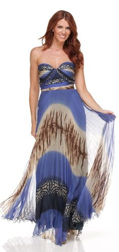 Dina Bar-El hit the jackpot with this easy to wear dress that is oh so perfect… Prom Dresses, Summer Dresses, Wedding Dresses, Summer Fashions, New Designer Dresses, Designer Clothing, Dress Rental, Light Dress, Flower Fashion