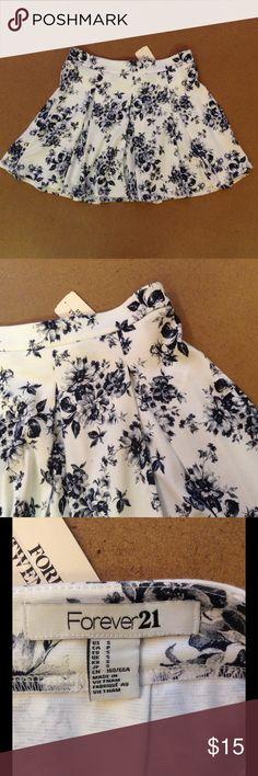 """Forever 21 Mini Floral Skirt Small Mini skirt, 12"""" long Forever 21 Skirts Mini"""