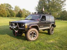 Jeep Cherokee XJ! Looks Amazing!