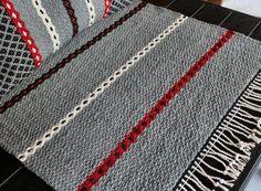 Weaving Textiles, Weaving Art, Weaving Patterns, Loom Weaving, Tapestry Weaving, Textile Patterns, Hand Weaving, Rug Inspiration, Recycled Fabric