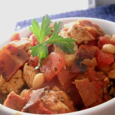 Easy and Delicious Slow Cooker Cassoulet Crock Pot Slow Cooker, Crock Pot Cooking, Slow Cooker Recipes, Crockpot Recipes, Cooking Recipes, Bratwurst Recipes, Easy Chicken Thigh Recipes, Chicken Recipes, Entree Recipes