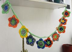 Guirnaldas tejidas a crochet, $75 en https://ofeliafeliz.com.ar