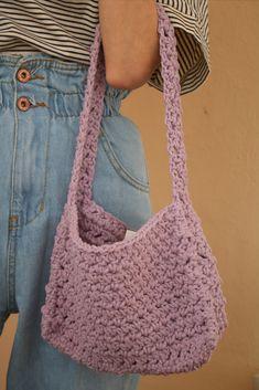 Crochet Kawaii, Diy Crochet Bag, Gilet Crochet, Chrochet, Cute Crochet, Crochet Crafts, Crochet Clothes, Diy Clothes, Crochet Projects
