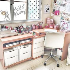 Teen Girl Bedrooms - A splendid and enjoyable array of teen room decor ideas and examples. Hungry for other super teen room decor examples simply press the image to devour the article idea 3706247143 today Teen Bedroom Desk, Teen Girl Desk, Teen Girl Rooms, Cute Teen Bedrooms, Trendy Bedroom, Bedroom Apartment, Study Room Decor, Study Rooms, Diy Room Decor