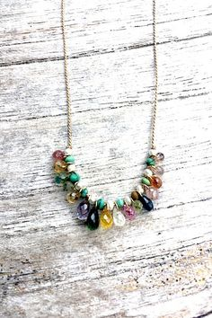 Depending on the size and the style of the necklace it can dress up a casual outfit of jeans or a sweater or it can be the completing touch to a sophisticated gown. Boho Jewelry, Beaded Jewelry, Handmade Jewelry, Jewelry Necklaces, Jewelry Design, Fashion Jewelry, Jewellery, Diy Necklace, Gemstone Necklace