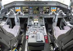 19-Apr-2015 12:32 - KLM VOERT COCKPITREGEL FORMEEL IN. KLM heeft een nieuwe cockpitregel formeel ingevoerd. Dat betekent dat er altijd twee personen in de cockpit aanwezig zijn, aldus het luchtvaartbedrijf.