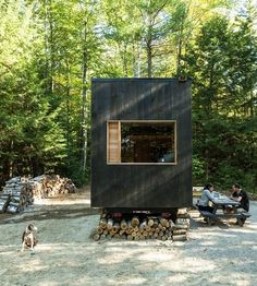 Planning a vacation? From an out-of-the-way cabin in the Berkshires to a stylish pad in downtown Nashville, these tiny house rentals are at the top of our must-visit list | archdigest.com