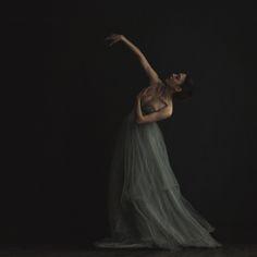 Shot by Sue Bryce http://www.inbedwithsue.com/2013/04/29/a-dancing-portrait-in-new-york/