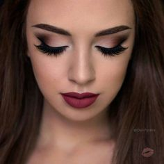 Are you searching for the trendiest prom makeup looks to be the real Prom Queen? We have collected many ideas for your inspiration. The post Are you searching for the trendiest prom makeup looks to be the real Prom Queen? appeared first on Make Up. Prom Makeup Looks, Wedding Hair And Makeup, Prom Makeup Brown Eyes, Maroon Makeup, Prom Eye Makeup, Pretty Eye Makeup, Makeup Looks For Brown Eyes, Homecoming Makeup, Awesome Makeup