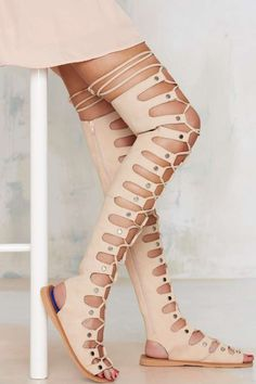 Minimal sandals gotcha down? We got you-- these beige leather knee-high gladiator sandals have a front lace-up design with all-over cutouts-- nothing minimal about it. Roman Sandals, Leather Gladiator Sandals, Greek Sandals, Leather Shoes, Beige Sandals, Shoes Sandals, Sandals Platform, Platform Boots, Clarks