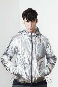 Wimberly Wimberly Streeter:Lab look 18 NEED this silver jacket immediately! Metal Fashion, Love Fashion, Fashion Show, Metallic Jacket, Stylish Mens Fashion, Mens Activewear, Sporty Outfits, Menswear, Luis Fernandez