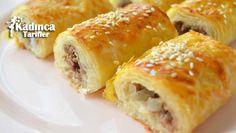 Baklavalık Yufkadan Sodalı Kıymalı Börek Tarifi en nefis nasıl yapılır? Kendi yaptığımız Baklavalık Yufkadan Sodalı Kıymalı Börek Tarifi'nin malzemeleri, kolay resimli anlatımı ve detaylı yapılışını bu yazımızda okuyabilirsiniz. Aşçımız: Yasemin'in Mutfağından Turkish Recipes, Ethnic Recipes, Turkish Kitchen, Salty Foods, World Recipes, Snacks, Sweet And Salty, Bread Baking, Baby Food Recipes