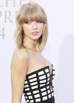 Taylor at the German Radio Awards 2014 Red Carpet