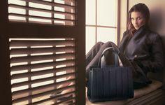 Le borse Max Mara sono belle ed eleganti. Per la stagione invernale il marchio italiano propone tantissimi modelli da indossare di giorno e di sera.