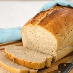 Baking the perfect bread: the crispy crust Joyful Das perfekte Brot backen: die Knusper Kruste Banana Bread Recipes, Cake Recipes, Pizza Recipes, Bread Bun, Easy Bread, Pampered Chef, Challah, Bread Baking, Bread Food