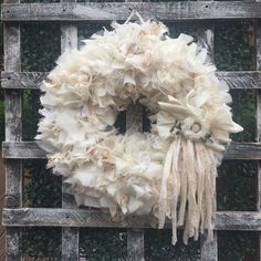 Lace and Muslin Wall Hanging. Diy Spring Wreath, Diy Wreath, Rag Wreaths, Burlap Wreaths, Wreath Ideas, Shabby Flowers, Lace Flowers, Succulent Wreath, Wreaths For Front Door