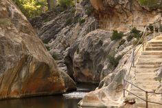 La Fontcalda (Tarragona): una termas entre montañas - Diez playas de agua dulce en España