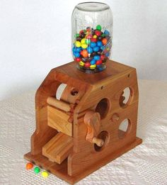 Woodworking Projects For Kids Wooden Candy Feeder Small Wood Projects, Woodworking Projects For Kids, Custom Woodworking, Diy Projects, Candy Dispenser, Wood Crafts, Diy And Crafts, Gumball Machine, Wood Patterns