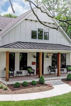 Must See Metal Building Homes - House Topics There are beautiful homes and there are VERY beautiful metal building homes. We present amazing list of must see metal homes that we cherry picked. Steel Frame House, Steel House, Steel Building Homes, Building A House, Metal Building Houses, Barndominium, Modern Farmhouse, Farmhouse Style, White Farmhouse