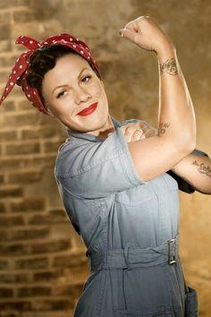 rosie the riveter rosie la riveteuse Alicia Moore, Beth Moore, Pin Up, Divas, Idda Van Munster, Estilo Rock, We Can Do It, Up Girl, Mode Inspiration