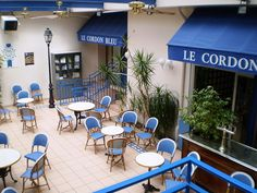 I have Chef friends that actually attended Le Cordon Bleu in Paris. Le Cordon Bleu, French Lifestyle, Cozy Cafe, Moving To Paris, Paris Cafe, Cafe Restaurant, Provence, Places To Go, Patio