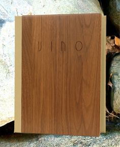 Menu-Cover-Wood-Vino