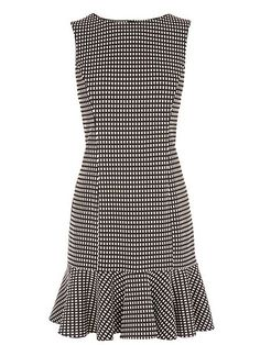 Many more like this can be found at the website! Give it a look for what we pick best for each category!Picture result for warrhouse gingham dress Casual Dresses, Short Dresses, Fashion Dresses, Dresses For Work, Summer Dresses, Graduation Dresses, Party Dresses, Costura Fashion, Dress Skirt