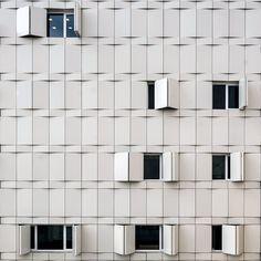 267 個讚,1 則留言 - Instagram 上的 Aureus Official(@aureusofficial):「 Abvarzan Office Building - Zavarchitects - Tehran, Iran • #AA #goldart #architecture #facade #iran… 」