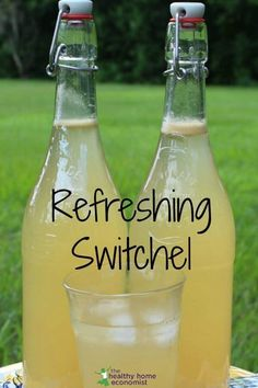 Switchel is a tasty, traditional drink made with water, honey, vinegar and ginger that quenches thirst like nothing else. This switchel recipe is so easy to make and tastes so much better than store bought! Try making your own switchel today! Probiotic Drinks, Detox Drinks, Alcoholic Drinks, Beverages, Drinks Alcohol, Kefir, Refreshing Drinks, Yummy Drinks, Healthy Drinks