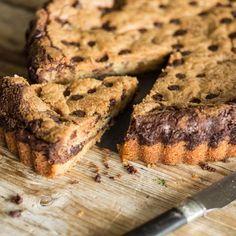 Pizzookie - ein Cookie so groß wie eine Pizza. Und da ein riesiger Cookie nicht genug ist, ist dieser noch mit Nutella gefüllt. Dekadent, oder?